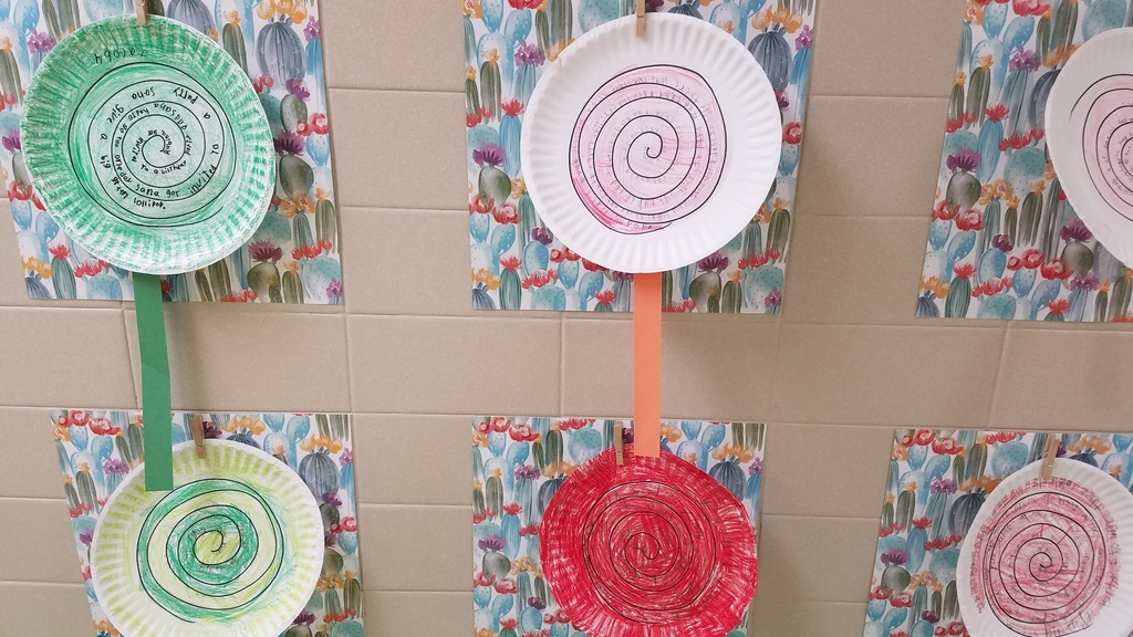 Red and Green retell lollipops